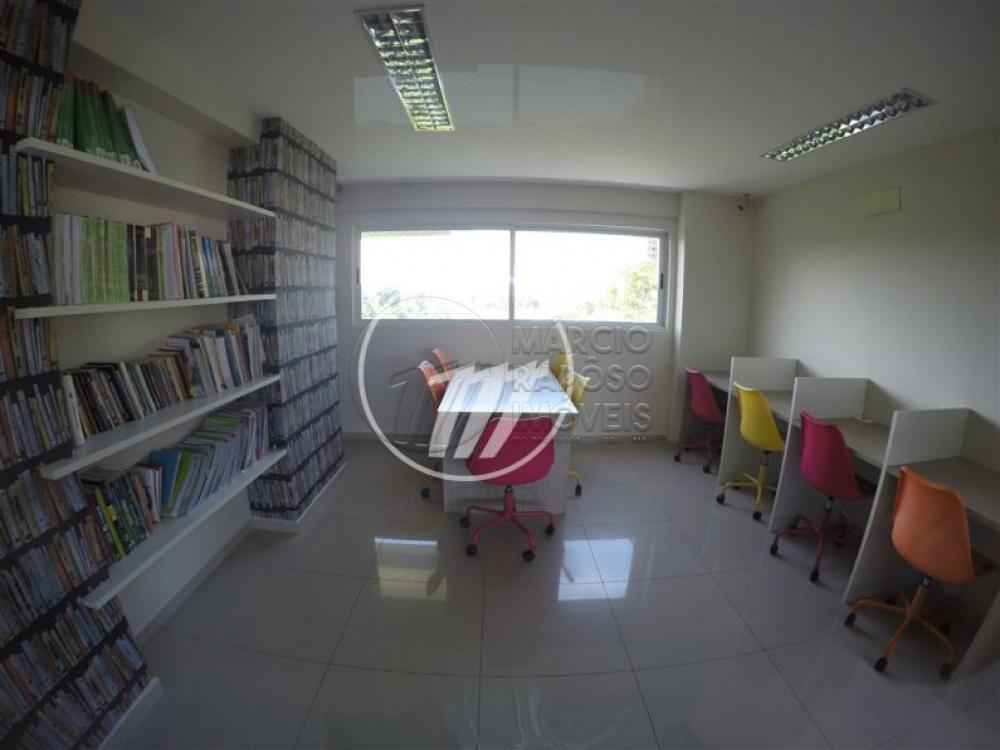 EDIFÍCIO SALUTE  apartamento de 130m² para venda.  possui: - varanda; - sala de estar e jantar; - cozinha; - área de serviço; - DCE; - despensa; - 4 suítes (sendo 3 reversíveis).  * Entre em contato conosco via celular ou WhatsApp, e agende uma visita com um de nossos corretores de plantão.