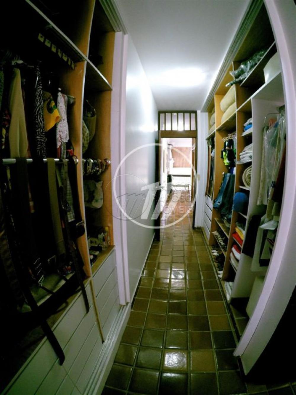 CONDOMÍNIO RESIDENCIAL ALDEBARAN (ALFA QUADRA A)  casa de 357,84m² para venda  possui: térreo:  - varanda em L; - sala para 2 ambientes (sala de estar e jantar); - wc social; - cozinha com despensa; - área de serviço; - DCE; - garagem; - piscina; - 1 suíte; - gabinete; - depósito.  Pavimento superior:  - 3 suítes (sendo 1 master com closet); - 1 quarto reformado para academia (todas com varanda).  * Entre em contato conosco via celular ou WhatsApp, e agende uma visita com um de nossos corretores de plantão.