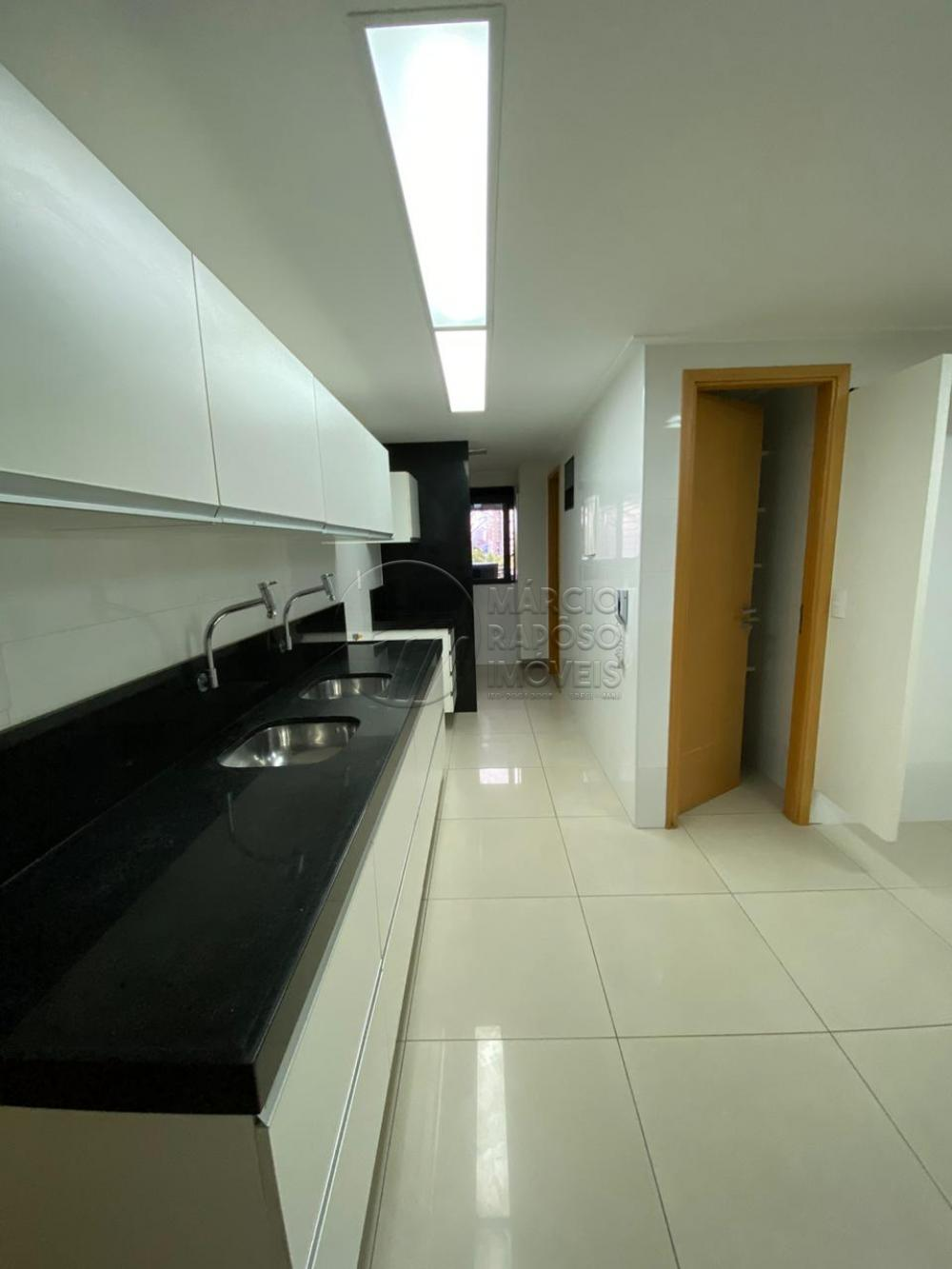 Apartamento nascente com 04 suítes, varanda fechada com euroglás, salas estar e jantar, cozinha com área de serviço, lavabo, com armários, splint ( sala e varanda)