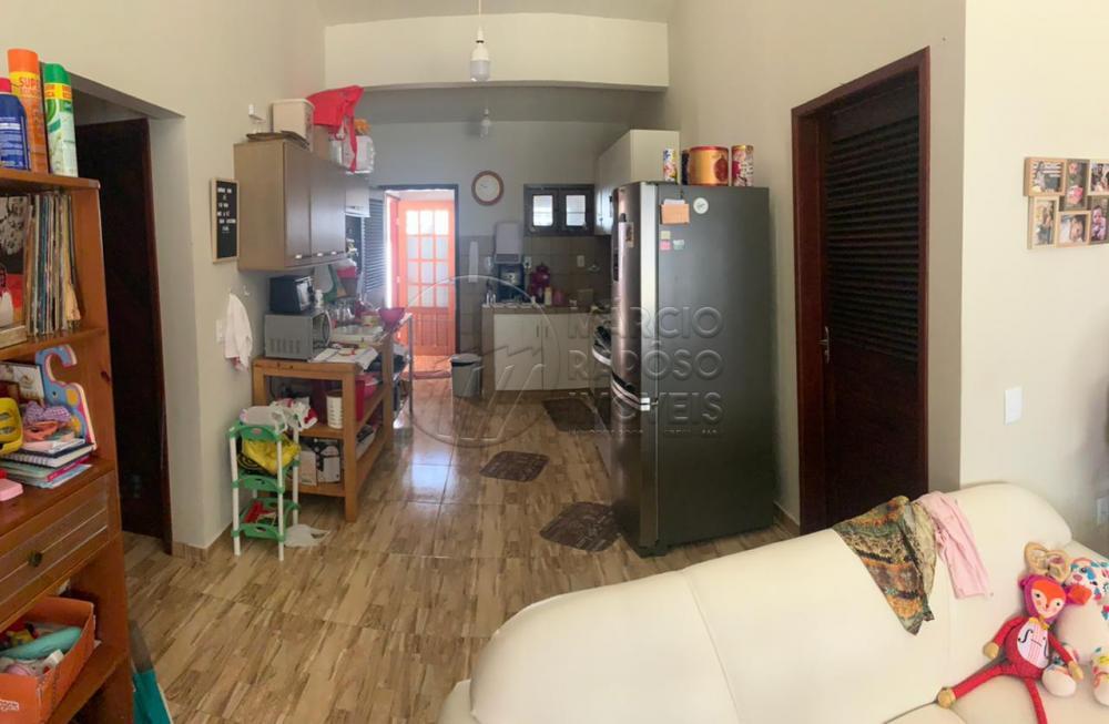 CASA RESIDENCIAL NA BARRA DE SÃO MIGUEL  POSSUI:  - 02 quartos, sendo 01 suíte; - Sala de estar e jantar; - Cozinha; - Área de serviço; - Piscina.  *Entre em contato conosco via celular ou Whatsapp, e agende uma visita com um de nossos corretores de plantão.