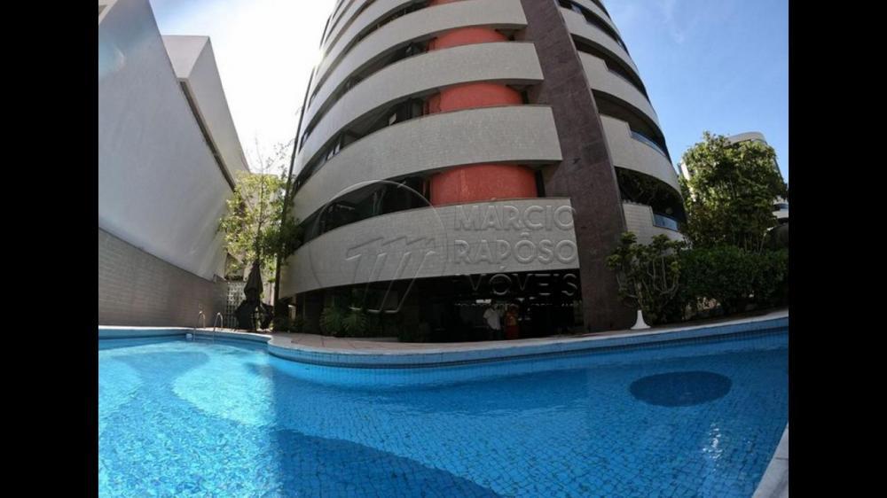 Lindo apartamento Cozumel no coração da Jatiúca, com 157,13 m2, composto de 2 salas, varanda, 4 quartos mais dependência completa de empregada.