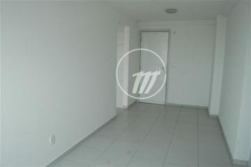 Apartamento / Padrão em Maceió , Comprar por R$250.000,00