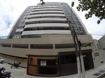 Apartamento / Padrão em Maceió Alugar por R$1.950,00