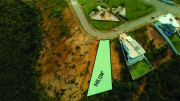 TERRENO PADRÃO  Terreno de 948,12m² para Venda.  Lote 1, quadra 14. Frente medindo em arco 10,00m,  Fundos medindo 27,80m. Lado direito medindo: 53.08m. Lado esquerdo 67.52m.