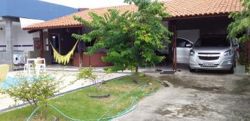 Sala de estar/jantar, 03 suites sendo 01 com closet, copa/cozinha, área de serviço, terraço, wc para piscina, despensa, copa p/apoio a piscina.